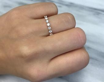 Diamond Wedding Band - Single Shared Prong 18k white yellow rose gold ring