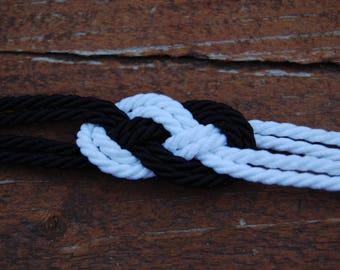 Bracelet original black and white sailor knot
