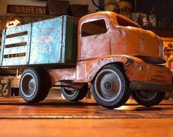Early Vintage 1950's Tonka Utility Truck