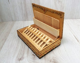 Wooden cigarette box Vintage cigarette box Handmade cigarette storage Wooden box Smokers accessory Decorated box Pyrographed box Gift