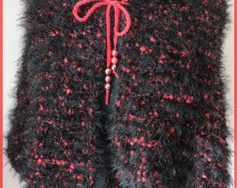 beautiful shoulder warmer, shawl, red and black, very soft