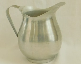 Vintage Aluminum Pitcher With Ice Lip, 1950's Mid Century Beverage Container, Metallic Home Decor, Country Flower Vase, Farmhouse Style