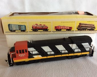 Vintage Bachmann engine train toy locomotive Canadian National collectible Ho scale 0723