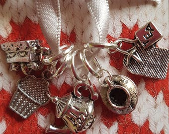 5 Knitting stitch markers. Tea and Cakes