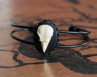 Bird skull cameo black Bangle Bracelet