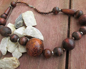 Hippie wooden bead necklace chunky graduated beads antiqued silver tone spacers vintage 80s Boho Hippie statement.