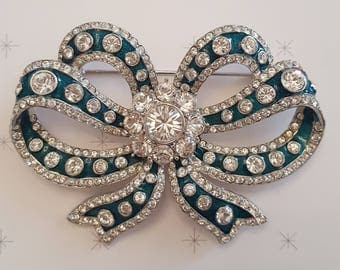 JOAN RIVERS Czarina Crystal Bow Pin
