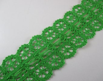 Lace between two, cotton and viscose, green color, width 5 cm.