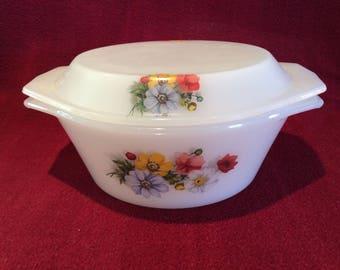 Arcopal Flower Pattern Casserole Dish 1 litre circa 1970