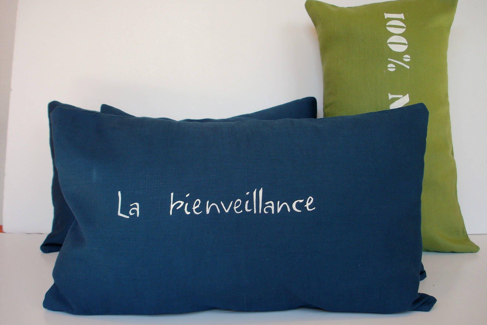 housse coussin rectangulaire lin lav bleu canard. Black Bedroom Furniture Sets. Home Design Ideas