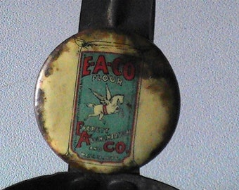 Vintage 1920's Everett-Aughenabugh and company flour scoop with tag