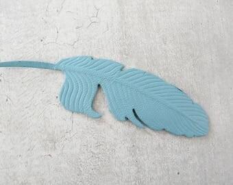 Large feather (8.9 cm) leather fine sky blue
