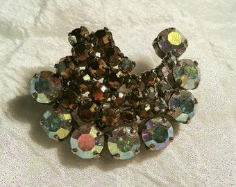 Vintage Santi brooch / vintage rhinstone brooch