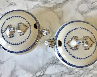 Pair of english small soup tureens