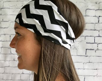 Sports headband for hair black and white zigzag