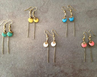 Color point earrings.