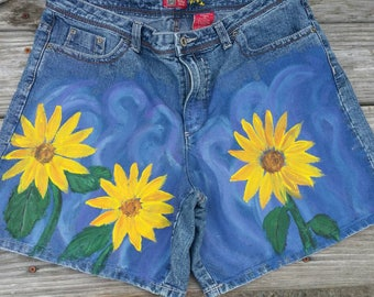 Sz 14 Hand Painted Denim Shorts, 5 Pocket Shorts, Faded Glory Brand, New Upcycled Denim, Sunflower Shorts, Ladies Sz 14 Shorts