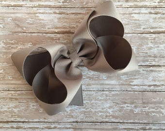 Mocha Boutique hair bow, hair bows, solid color hair bows, large hair bows, Thanksgiving hair bows, beige hair bow, kakhi bows