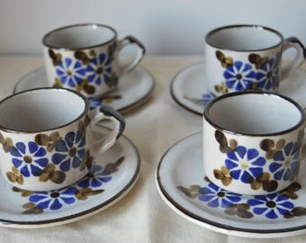 Lovely Hand painted Sudio Pottery Coffee Set.  In very good condition.  Made in England