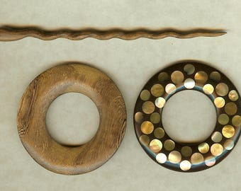Shawl pin with wood and mother of pearl two-sided design
