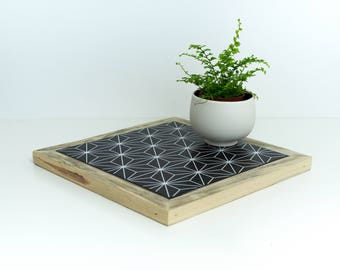 Trivet, decorative dish rests, kitchen tray