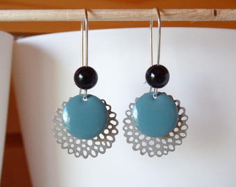 rose silver filligree and frosted blue sequin earring