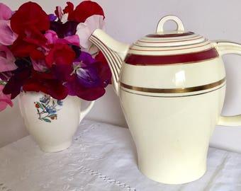 Vintage 1930 Woods Ivory ware teapot.