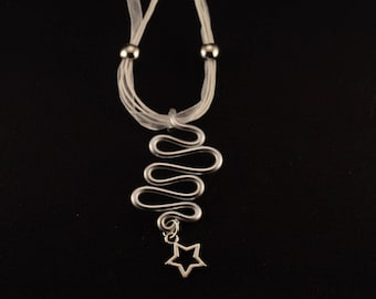 Destash: Serpentine necklace and star in silver and white