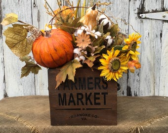 Farmer's Market Autumn Arrangement in Wood Box, Thanksgiving Centerpiece, Farmhouse Fall Arrangement, Pumpkin Centerpiece