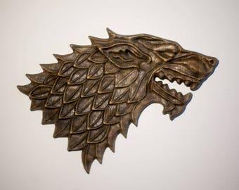 Wooden emblem sculpture of direwolf, House of Stark, GOT