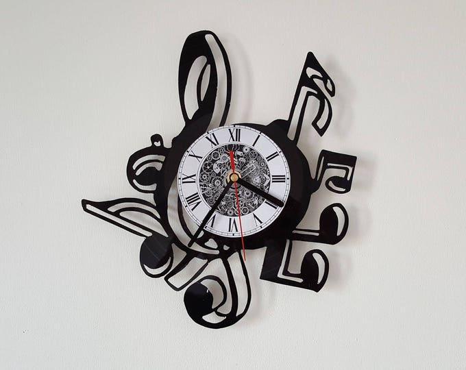 Vinyl 33 clock towers theme music Note