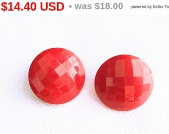 Red Button Earrings, Round Earrings, Vintage Lucite Earrings, Carved, Vintage Jewelry, Clip On Earrings, Mid Century Vintage,