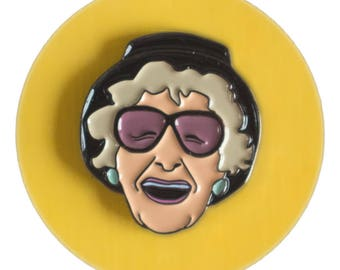Elaine Stritch enamel lapel pin