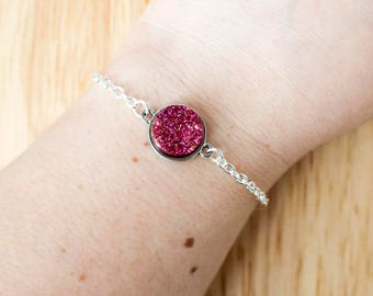 Red druzy bracelet with silver chain and setting 17cm