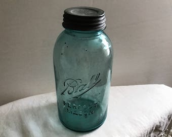 Vintage Ball Glass Jar Zinc Top Light Blue Shabby Chic Canning Jar One Half Gallon Blue Mason Glass Jar Collectible Color Wedding Decoration