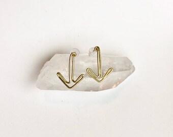 Gold arrow earrings , arrow earrings , arrow studs , arrow stud earrings , gold arrow studs , minimalist earrings , geometric earrings