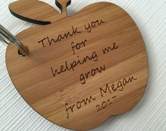 teacher apple keyring, personalised teacher gift, thank you for helping me grow keyring, teacher keyring, thank you gift, end of term gift