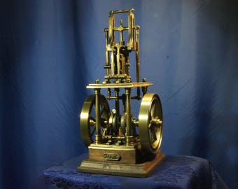 Model live of a steam engine
