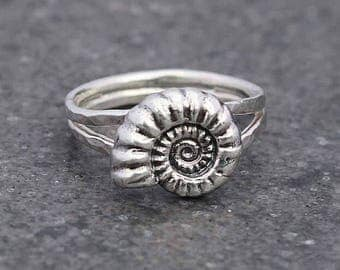 Ammonite Ring - Fossil Ring - Silver double banded hammered ring