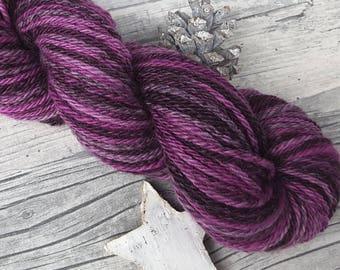 "Yarn handspun hand dyed - merino - ""Brombeer-Sahne"" - 145yds/3,81oz - 3ply"