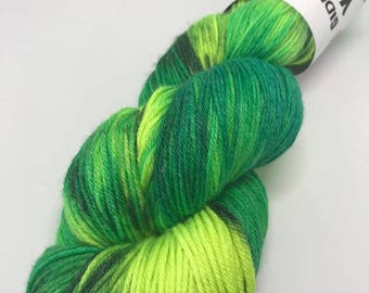 Hand Dyed Yarn Wool 80/20% Superwash Merino/Bamboo 400m 100g Hank Sock Fingering 4Ply Oddball Green Yellow Variegated