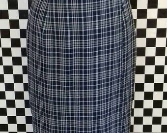 Long 90's blue chequed skirt with shell button - S/M