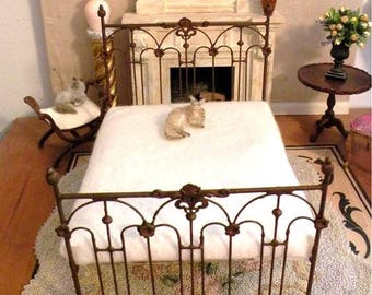 """Artisan Made Barbie 1:6 Scale Wrought Iron Look Bed """"Tessa"""""""