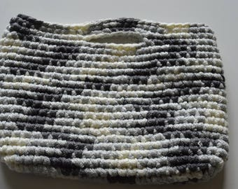 grey and cream crochet handbag