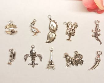 New Orleans Louisiana Style Cake Pulls on Ribbon Charms for Wedding Cake
