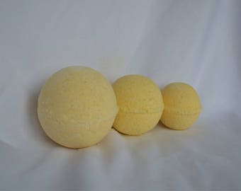 3 Lemon medium bath bombs