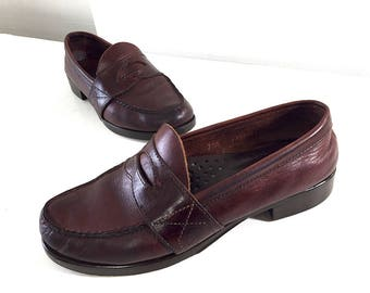 Vintage Bass Penny Loafers / Oxblood Burgundy Women's 7 Slip-On Dress Shoe / Made in USA Red Loafer with Leather Inner Sole Hard Rubber Sole