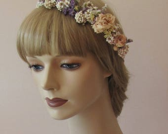 A lovely 1/2 crown as Hairaccessoires for your Wedding or your event real flowers dried and wrapped with satin band