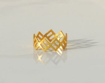 Geometric Minimalist Ring