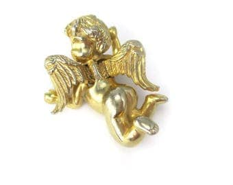 Vintage Castlecliff Gold Tone Cherub Pin